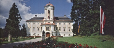 Stay at Schlosshotel Rosenau on a Prague to Vienna bike tour