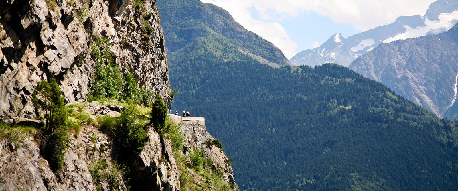 classic-climbs-tour-01-1600x670