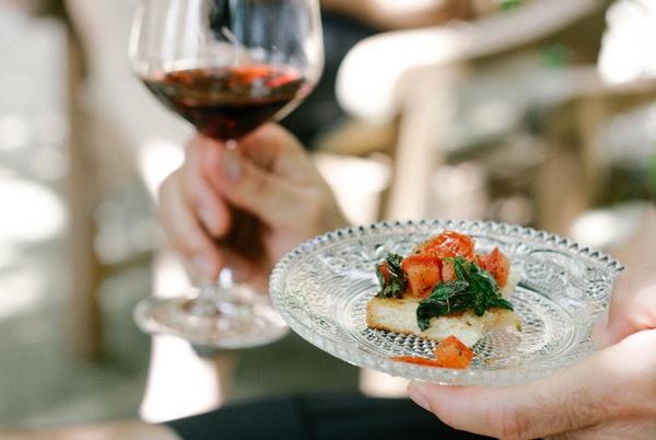 Enjoy Toscana wines and local cuisine on a Tuscany bike tour