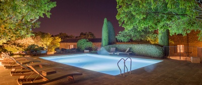 Stay at Hotel Le jas de Gordes on our Provence bike tour