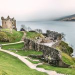 18UK-Urquhart_Castle_Loch_Ness-commons-1600x670