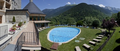 Stay at hotel Parador de Vielha on a bike tour in the Pyrenees